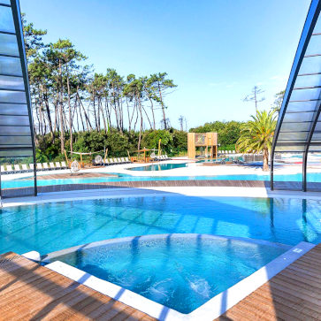 Soulac Plage Covered Pool 2 363